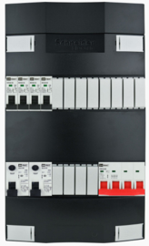 3-fase Schneider groepenkast met 4 installatieautomaten en 2 aardlekschakelaars met 12 modules vrij voor extra opties (volgens nieuwe NEN1010 norm)