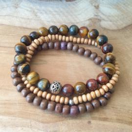 Bruine set gecombineerd met houten kralen