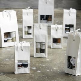 Nicoals Vahe Cadeautas met venster