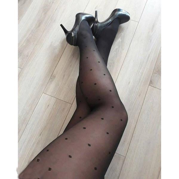 Zwarte 20 denier panty met stippen , size ++(52-60), in lengtematen