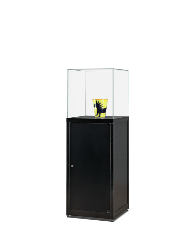 Pedestal showcase SV1 500 black with glass top and storage