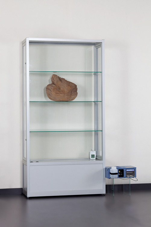 Dustproof display case V8 1000 silver with humidity control system