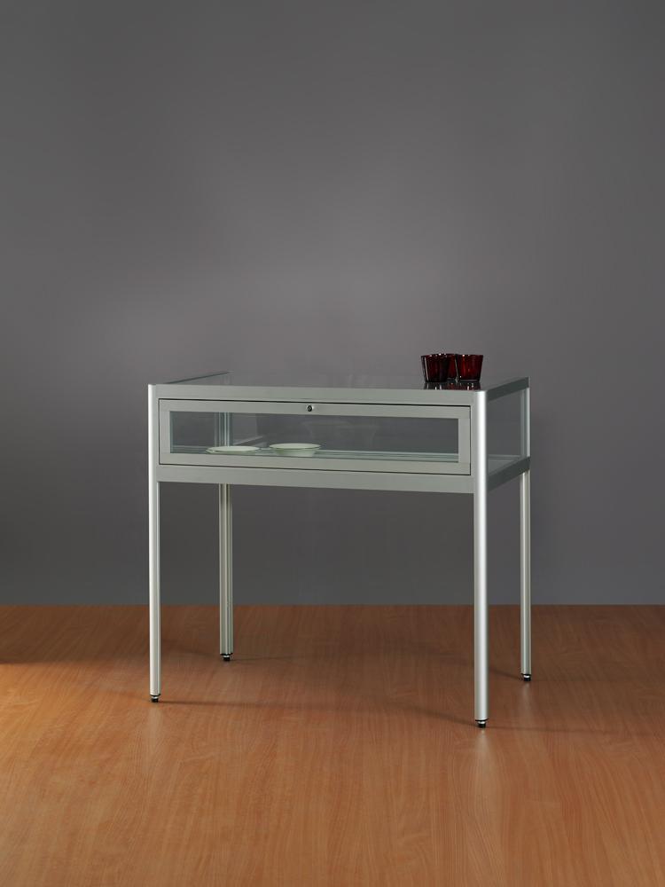 tafel-vitrine-stofdicht-1000-600-920-tech-deur-in-profiel-achterzijde-TAV-V8.jpg