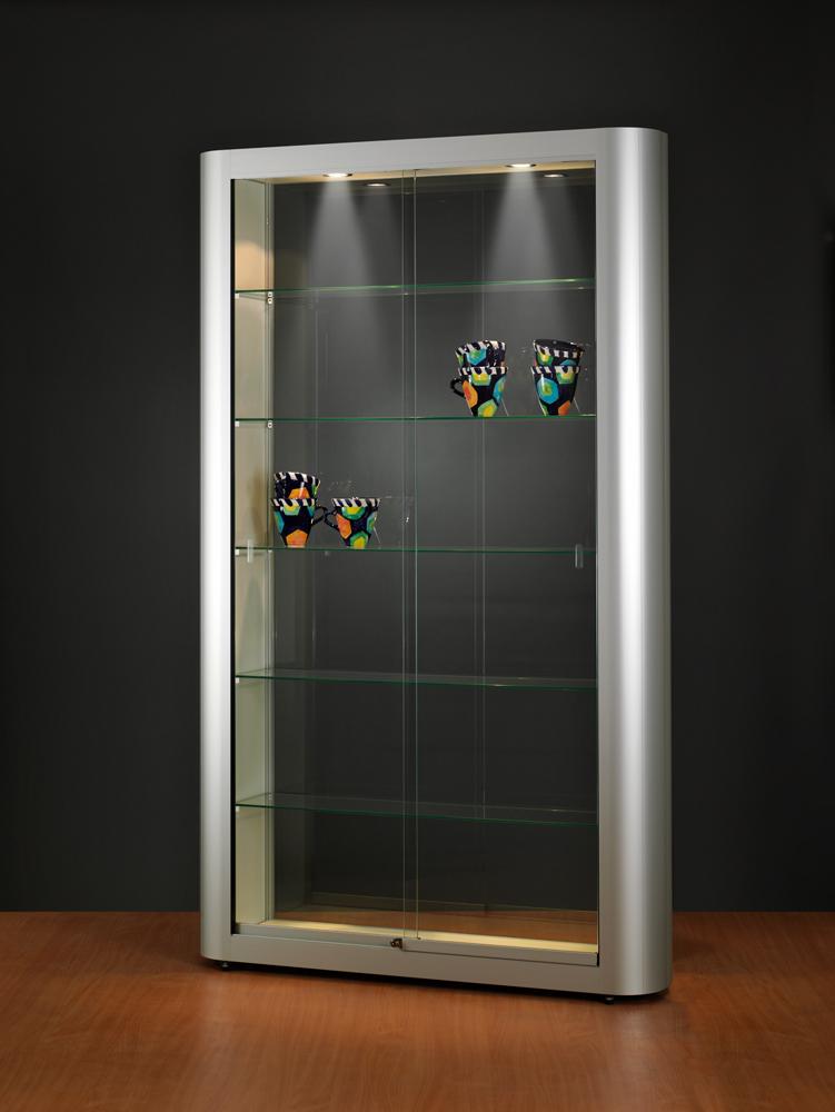 vitrine-glas-halogeen-verlichting-1186-250-2000-tech-250-schuifdeuren-voorzijde.jpg