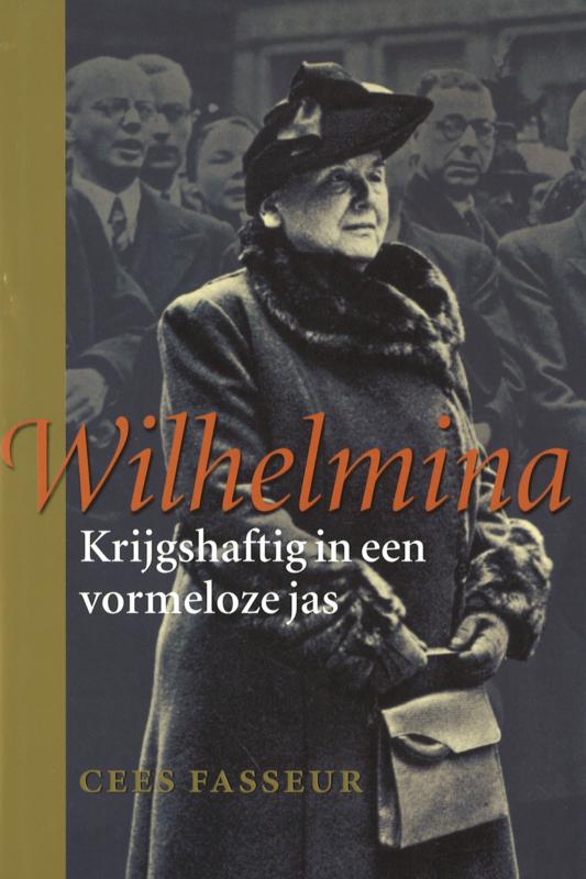 Wilhelmina - Krijgshaftig in een vormeloze jas