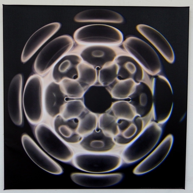 07 Cymatic foto 17 Hz op canvas 60 x 60 cm