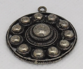 ZB 045 Zeer mooie klassieke elegante platte Zeeuwse knoop ong. 3 cm doorsnede