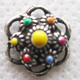 ZB006-MC schattig klein Zeeuws knoopje zwaar verzilverd  met vrolijke kleuren emaille