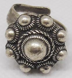 Zeeuwse knop ring 9 bolletjes verzilverd, ZKR 305, een maat, buigzaam