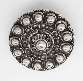 ZKB 909 Zeeuwse knop broche bloemvorm, zwaar verzilverd