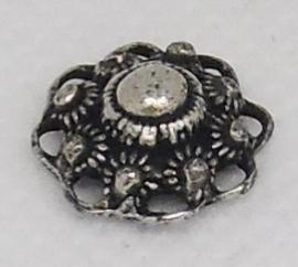ZB 007 zeeuws bol knoopje met oogjesrand doorsnede 1,3 cm