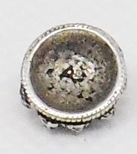 Zeeuws knutsel knopje ZKP216, verzilverd, 1 cm doorsnede