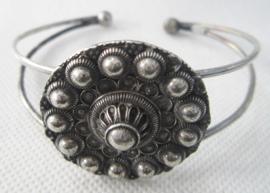 ZKA515 buigarmband Zeeuwse knoop bloemvorm