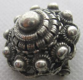ZKB917 Broche bolle zeeuwse knoop zwaar verzilverd ong 3 cm doorsnede