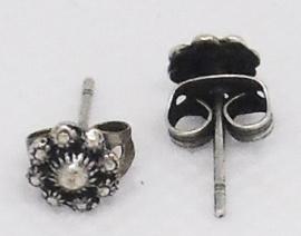 ZKO704 hele kleine mini zeeuwse knop oorstekertjes