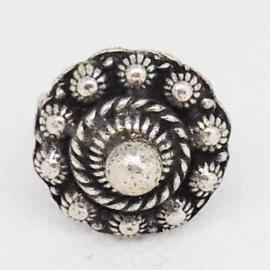 ZKR 307 Zeeuwse knop ring met uitstekend bolletje, zwaar verzilverd, een maat, buigzaam