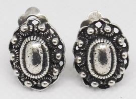 ZKO705 clip oorbellen ovale zeeuwse knop