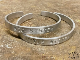 Big Sister & Little Sister Silver - blanco tekst