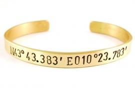 GPS Coordinates Bracelet Gold - zwarte text