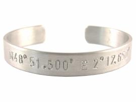GPS Coordinates Bracelet Silver - blanco tekst