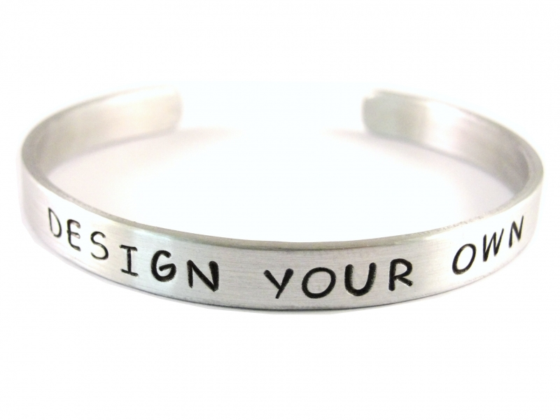 Jouw tekst in een armband - Design Your Own Silver - zwarte tekst