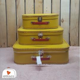 Geel met rood handvat koffersetje - 25cm - 30cm - 35 cm