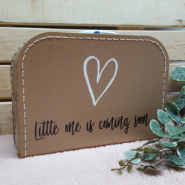 Koffertje zwangerschapsaankondiging Little One