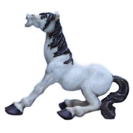 Komisch paardenbeeld zittend