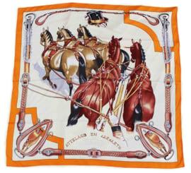 Sjaal Ingespannen Paarden - Oranje