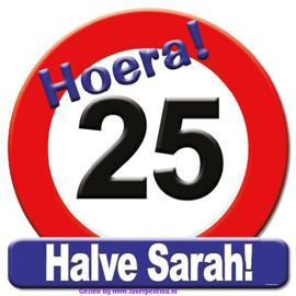 Verkeersbord halve Sarah
