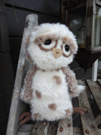 69043/003-Haakpakket Funny Furry Owl Soft lichtbruin