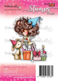 PD7813-Polkadoodles stamp Winnie - Pile of gifts