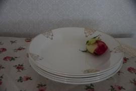 Stapel diepe borden Nimy