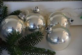 Set grote oude kerstballen