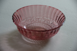 Schaaltje roze glas