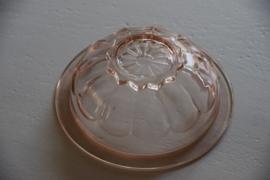 Roze glazen schaal