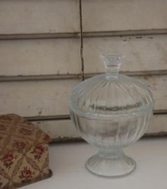 Glazen bokaal met deksel