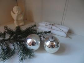 Twee brocante kerstballen!