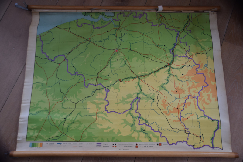Oude schoolkaart van België en Luxemburg