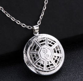 Geurketting spinneweb ying yang