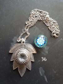 Ketting blad met 18 mm beads