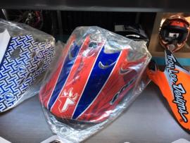 THE BMX Helmklep, Rood/Blauw, Gloednieuw in plastic