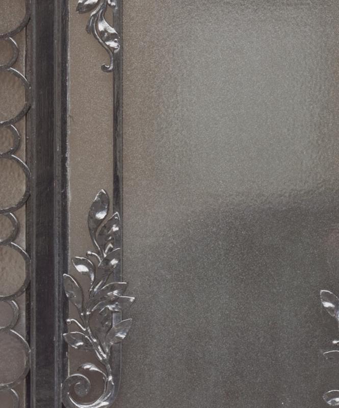 METAL ORNAMENT DOOR