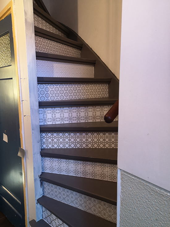 https://www.behangfabriek.com/a-46562227/stairs-stickers/stairs-multi-grey/