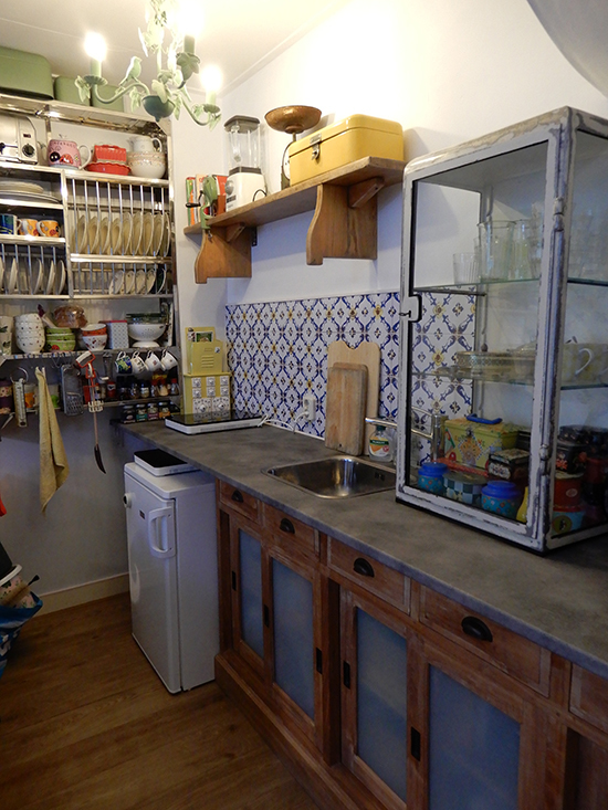 vintage tile kitchenwalls