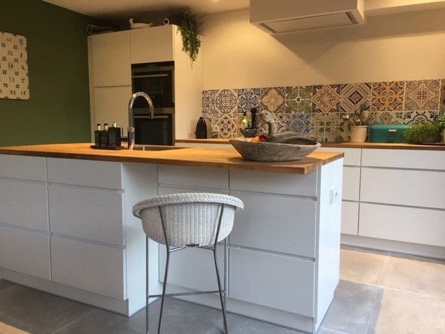 kitchenwalls backsplash wallpaper portugese tile