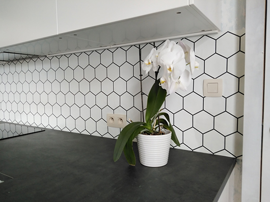 kitchenwalls backsplash wallpaper hexagon