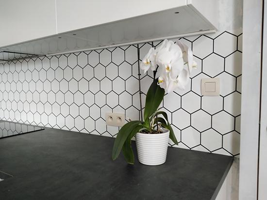 kitchenwalls backsplash wallpaper hexagon