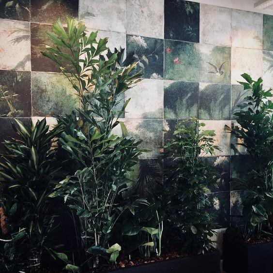 exotic damier wall and deco behangfabriek