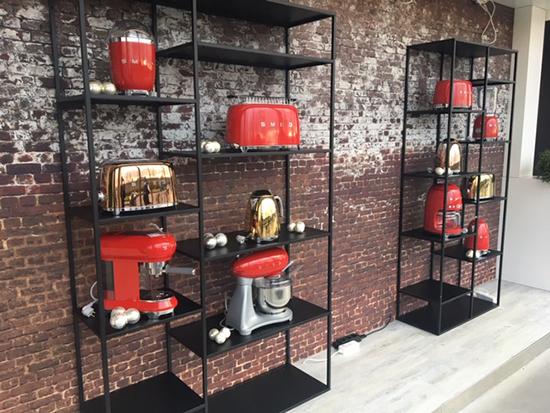 super grunge dirty bricks wallpaper smeg amsterdam